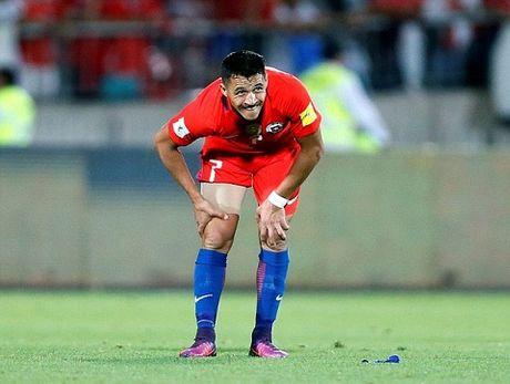 Alexis Sanchez chan thuong van lap cu dup, sap di vao lich su Chile - Anh 1