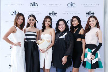 Ho Ngoc Ha mung Lan Khue len chuc CEO cua Elite phia Nam - Anh 8