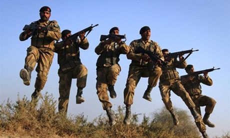 Pakistan tap tran gan bien gioi An Do - Anh 1