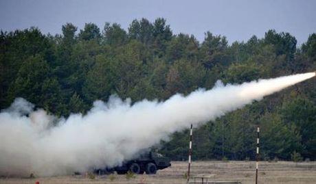 Hai cau tra loi sam set cua Ukraine cho Nga - Anh 1