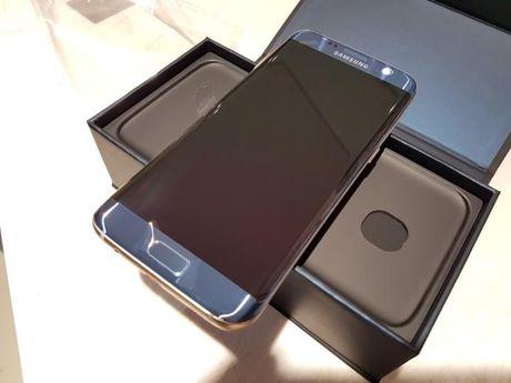 Dap hop Samsung Galaxy S7 Edge mau xanh san ho - Anh 11
