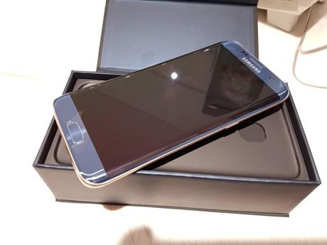 Dap hop Samsung Galaxy S7 Edge mau xanh san ho - Anh 12