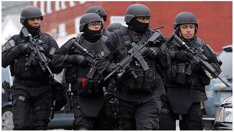 Ven man vo cong bi an cua doi dac nhiem SWAT - Anh 2
