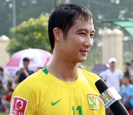 Quoc Vuong 'dat cua' cho Hoang Thinh thay the Tuan Anh - Anh 1