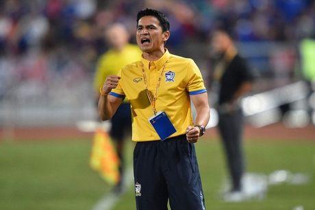 HLV Kiatisak bat khoc vi Thai Lan khong thang duoc Australia - Anh 1