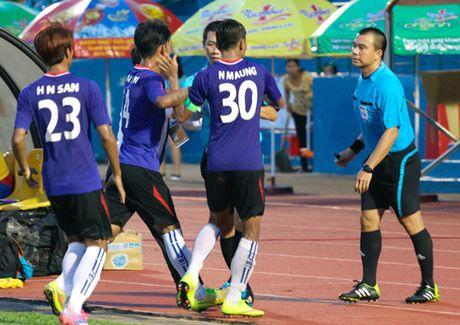 Ky uc AFF Cup: Thu mon Myanmar duoi danh trong tai Viet - Anh 1