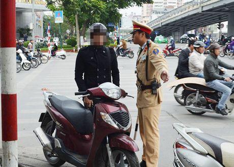 Phat xe khong chinh chu: Noi doi xe muon kho 'ne' phat - Anh 1