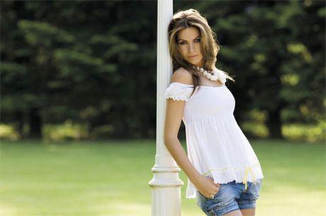 Alessia Ventura khoe duong cong nay lua - Anh 5