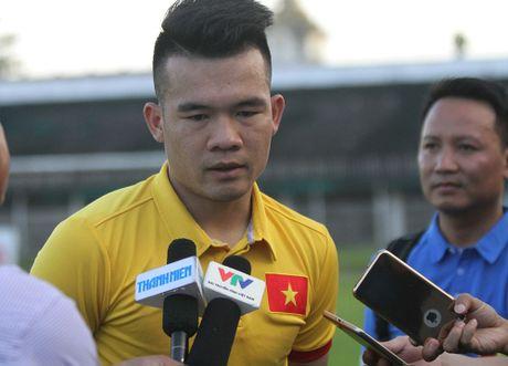 Tien ve Hoang Thinh: 'HLV Huu Thang da san sang len ke hoach thay the Tuan Anh' - Anh 1