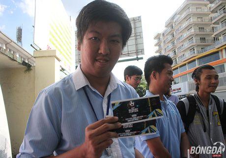 CDV nuoc chu nha do xo mua ve tran dau Myanmar gap DT Viet Nam - Anh 2
