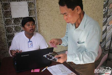 CDV nuoc chu nha do xo mua ve tran dau Myanmar gap DT Viet Nam - Anh 4