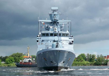 Lo Nga, Duc chieu long NATO mua 5 tau chien K130 - Anh 4