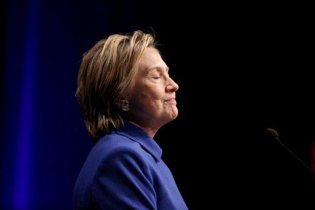 Ba Hillary Clinton buon ba trong lan tai xuat - Anh 1