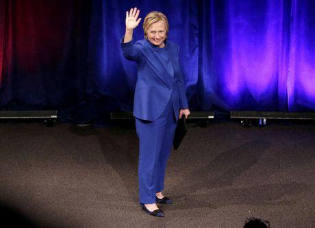 Ba Hillary Clinton buon ba trong lan tai xuat - Anh 3