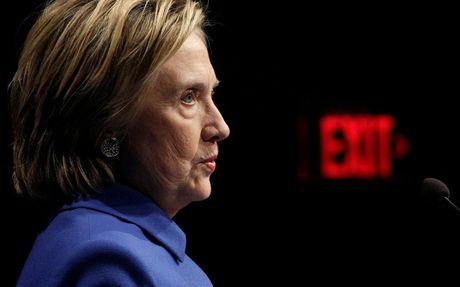 Ba Hillary Clinton buon ba trong lan tai xuat - Anh 5