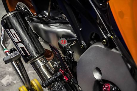 Can canh sieu moto Honda CBR1000RR do 'khung' tai VN - Anh 8