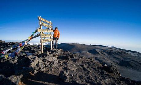 Ngam cung duong leo nui Kilimanjaro dep ngo ngang - Anh 10