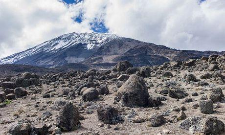 Ngam cung duong leo nui Kilimanjaro dep ngo ngang - Anh 2