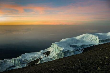Ngam cung duong leo nui Kilimanjaro dep ngo ngang - Anh 9