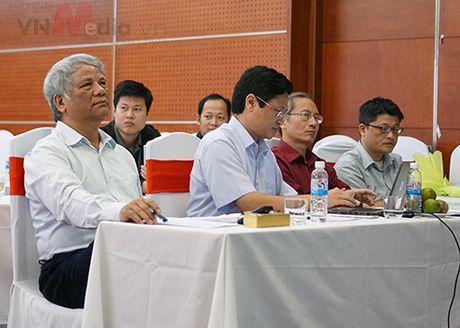 Nhom tac gia san pham di dong 'toat mo hoi' bao ve Chung khao Nhan tai Dat Viet 2016 - Anh 1