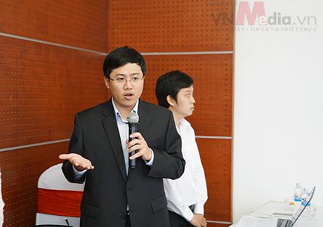 Nhom tac gia san pham di dong 'toat mo hoi' bao ve Chung khao Nhan tai Dat Viet 2016 - Anh 4