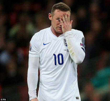 """Rooney xin loi vu """"say ruou, vui ve voi 2 chan dai"""" - Anh 2"""