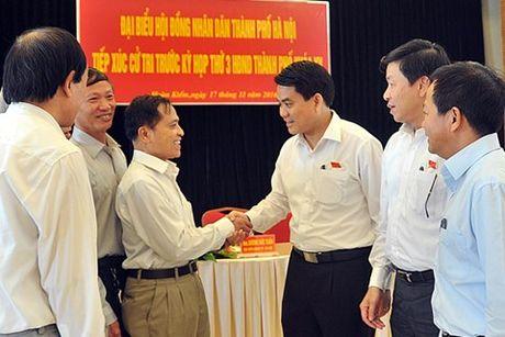 Chu tich Ha Noi: Lam sach ho Tay phai hut hang trieu tan bun - Anh 1