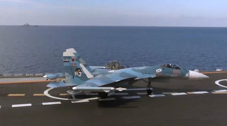 Nga: Su-33 khong kich, 3 chi huy chien truong Nusra bi tieu diet - Anh 1