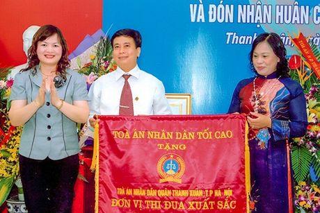 TAND quan Thanh Xuan, Ha Noi: No luc han gan cac gia dinh ben bo cua su chia ly - Anh 1