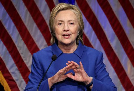 Ba Hillary Clinton xuat hien lan dau sau cuoc bau cu - Anh 1