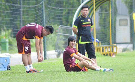 Truoc AFF Suzuki Cup: Mat mot quan bai?! - Anh 1