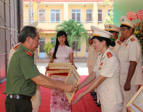 Truong Trung cap CSND III khai giang nam hoc moi - Anh 2