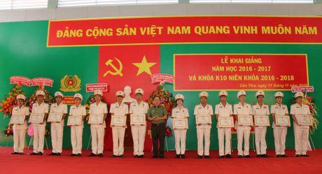 Truong Trung cap CSND III khai giang nam hoc moi - Anh 3