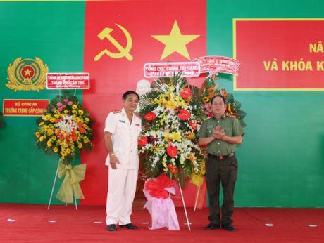 Truong Trung cap CSND III khai giang nam hoc moi - Anh 5