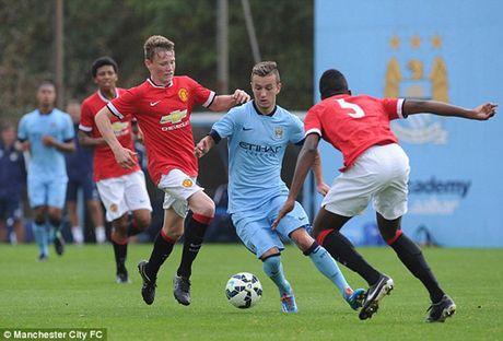 Be mat: Lua tre MU lan luot thua Man City 0-5, 0-6 va 0-9 - Anh 2