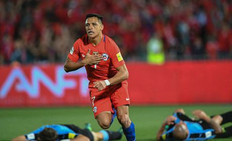 Arsenal tiec tien ve may bay, vat kiet suc Sanchez - Anh 2