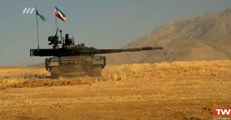 Iran sap trinh lang xe tang va truc thang noi dia - Anh 1