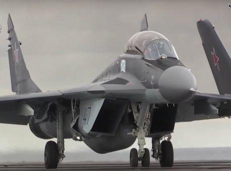 Nga se lam gi voi chiec may bay MiG-29K roi xuong bien? - Anh 1