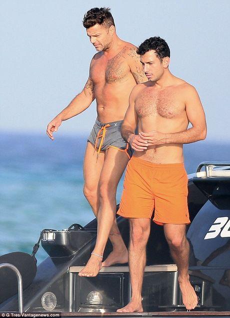 Khoanh khac cau hon ban trai cuc lang man cua Ricky Martin - Anh 6