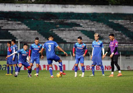 Tuyen Viet Nam va buoi tap ron ra tieng cuoi truoc AFF Cup - Anh 4