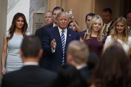 Chan dung thu nu 23 tuoi cua nha Trump - Anh 7