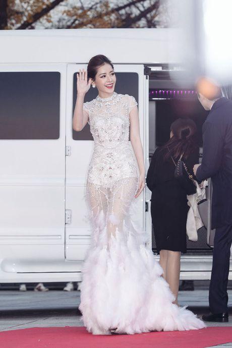 Hinh anh an tuong cua sao Viet truoc showbiz Han - Anh 3