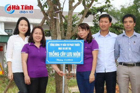 HUD ban giao hang muc cong trinh ho tro Truong MN Phuong My - Anh 2