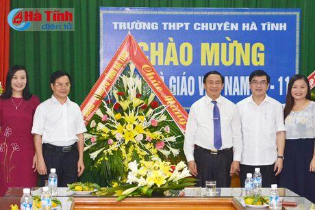 Lanh dao tinh chuc mung ngay truyen thong MTTQ, Nha giao Viet Nam - Anh 3
