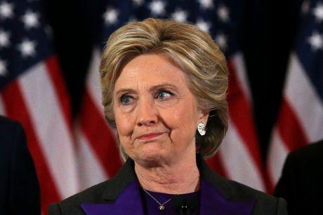 Ba Clinton: Bau cu Tong thong phoi bay su chia re sau sac cua nuoc My - Anh 1