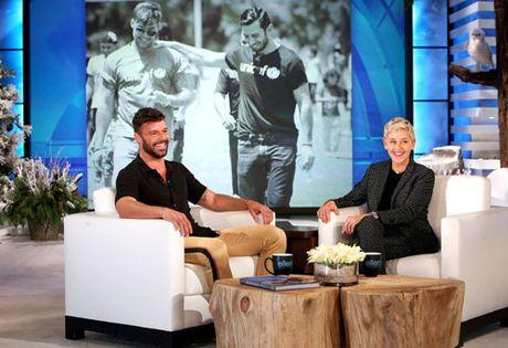 Ricky Martin dinh hon voi ban trai sau mot nam hen ho - Anh 2