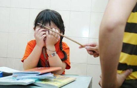 Chi vi si dien hao ma tuoc di hanh phuc cua con - Anh 2