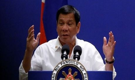 Ong Duterte bay to suy nghi ve ong Trump - Anh 1