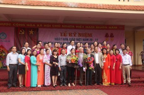 Nghe An: Truong THCS Kim Lien (Nam Dan) don nhan Huan chuong Lao dong hang 3 - Anh 1