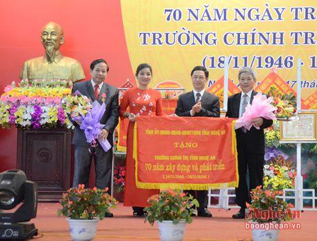 Ky niem 70 nam thanh lap Truong Chinh tri tinh Nghe An - Anh 9